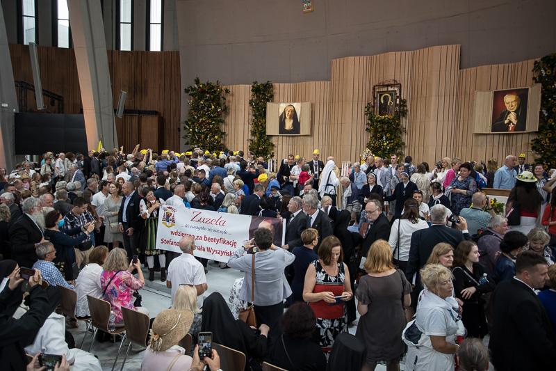 2021-09-12_COB_Swiatynia_Beatyfikacja-800px-2-372