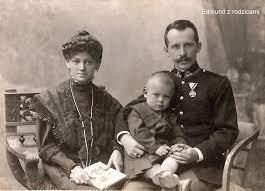 Karol Wojtyła z rodzicami